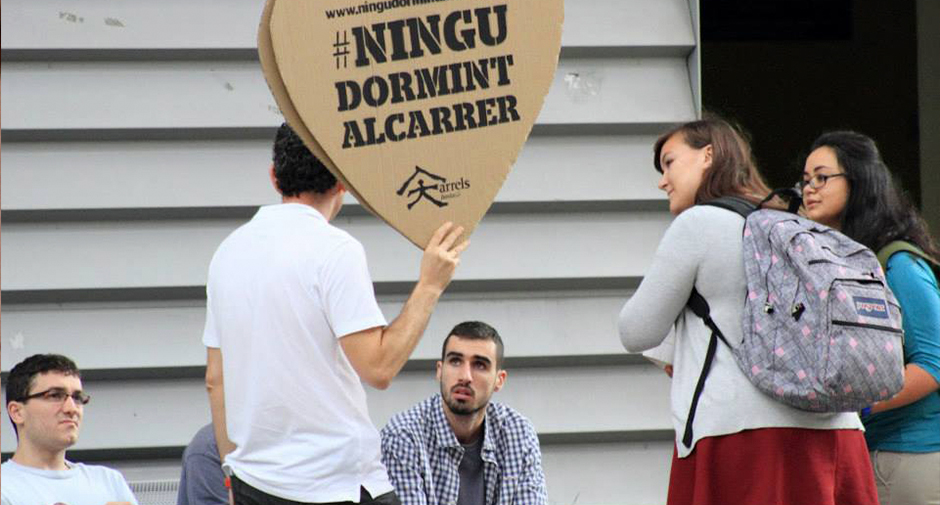 La UB i Arrels apropen a la universitat el testimoni de persones sense llar
